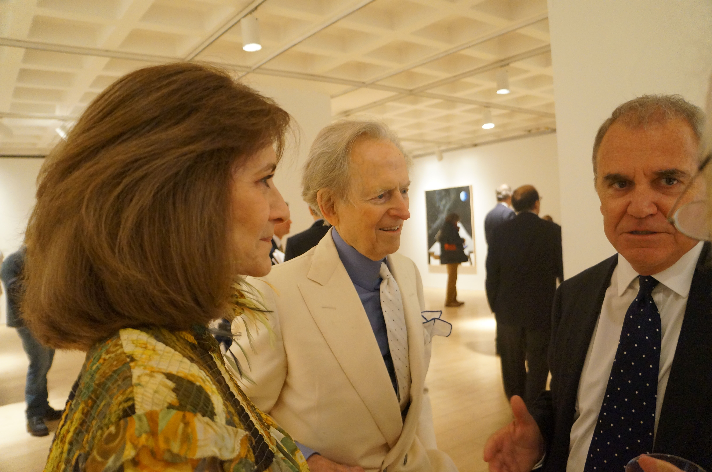 Pilar Larraz, Tom Wolfe (middle) Julio Larraz