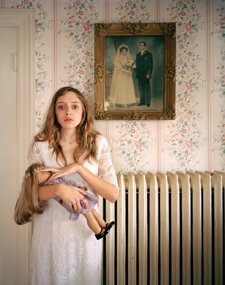 "Ilona Szwarc's ""American Girls"""