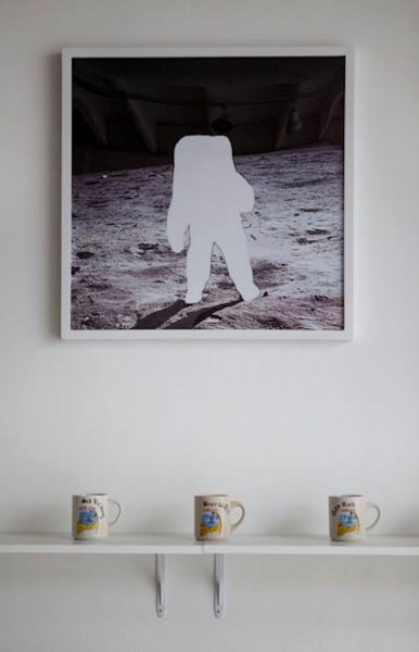 coffee cups missing moon man gordon holden paul loya