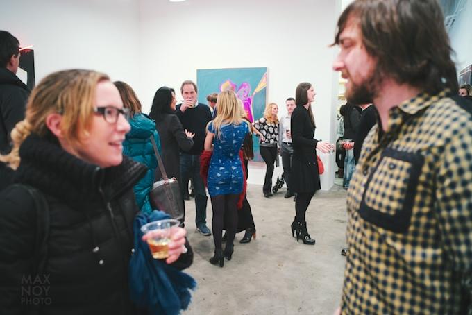 Artist tete a tete- Laura Mylott Manning (L) chats up Thrush Holmes (R)