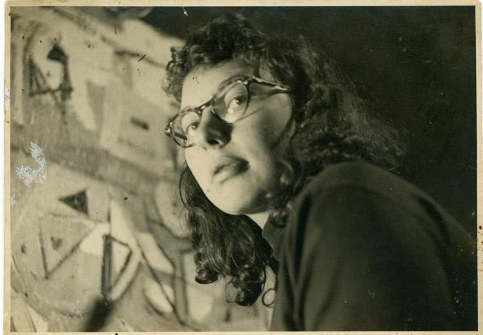 Joann Gedney, circa 1948, 8th street studio