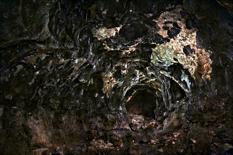 """""""Gama Caves"""" Photos by Osamu James Nakagawa at sepiaEYE"""