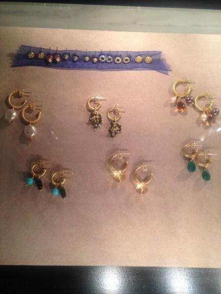 Friends, Romans, lend me your earrings