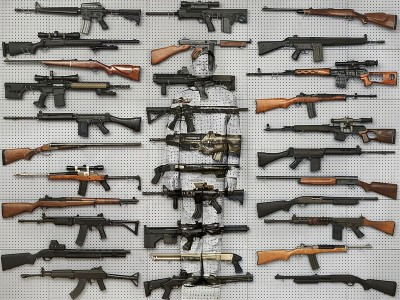 Liu Bolin, Hiding in New York No. 9 - Gun Rack, 2013