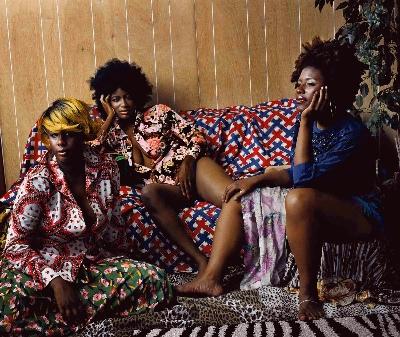 Mickalene Thomas, Les Trois Femmes Noires