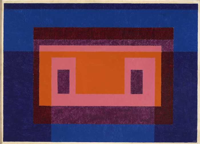 Josef Albers: Variant / Adobe, 4 Central Warm Colors Surrounded by 2 Blues, 1948. Öl auf Masonit, 66 x 90,8 cm. © The Josef and Anni Albers Foundation, VG Bild-Kunst, Bonn 2015