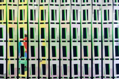 Carla Arocha & Stéphane Schraenen, Marauding Days, Acrylic, stainless steel and mirrored Plexiglass, 350 x 1500 cm, 2015 / Photo © by: Nils Steinke courtesy of the artists and Arratia Beer