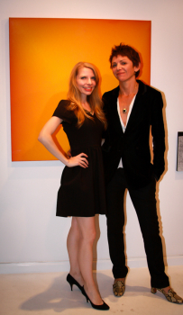 (L-R) Gallerist Jenn Singer and