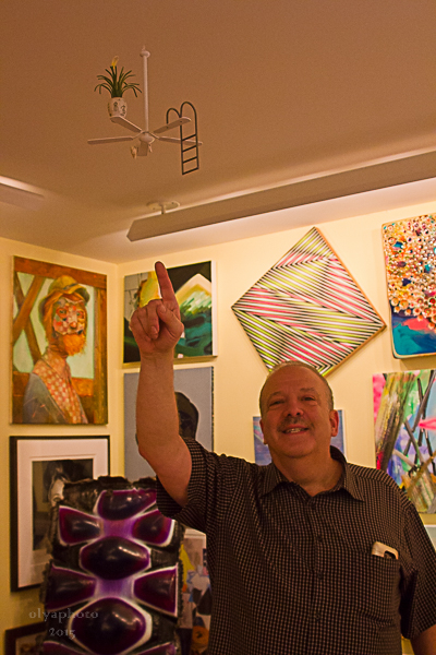 Steve Shane pointing up to Art