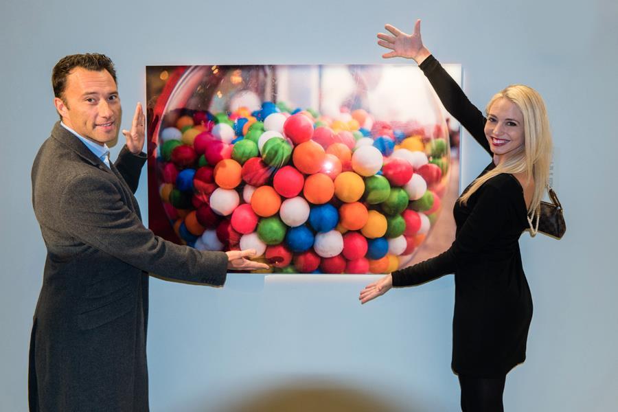 Bubble gum time. Photograph by Milo Hess