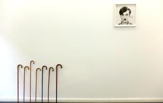 Exhibition view, Freitag, der 13. | יום שישי ה- 13 , CIRCLE1, Foto: Hannah Beck-Mannagetta, works: Alexandra Baumgartner, Distance 2015 //  Ronit Porat, S.S. Berlin, 2010 © courtesy the artist