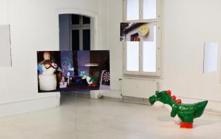 """Britta Thie """"dove step"""". Exhibition view. © Kunstverein Göttingen, Foto: Phillip Aumann, 2016"""